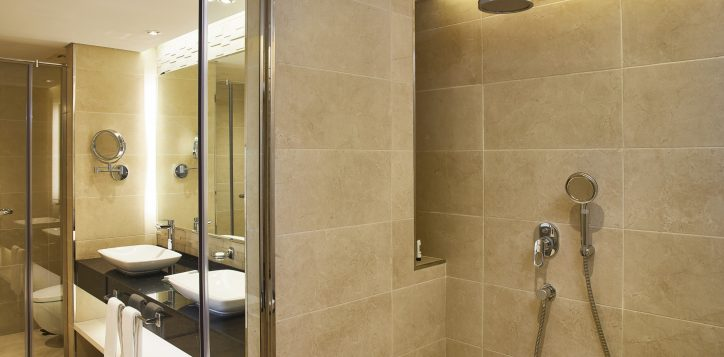 mercure-bathroom-3-2-2