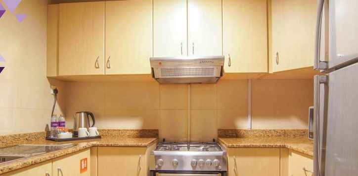 1-br-kitchen-cal-2